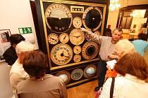 Planičkův interiérový orloj.