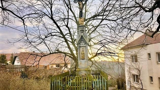 Kříž v Domoradicích