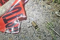 Policisté museli použít varovný výstřel.