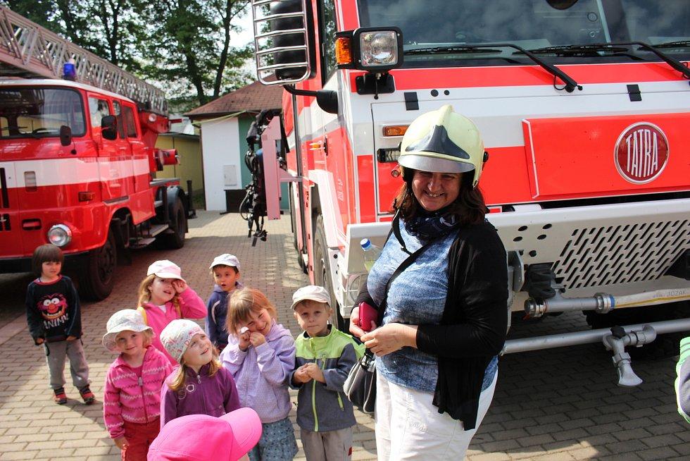 Svátek dnes slaví Florián. Připomeňte si, jak vypadaly oslavy patrona hasičů