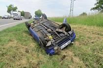 Z havárie na silnici I/35.