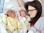 Kristýna a Kateřina Pechovy rozšířily rodinu Lucie a Lukáše z Dlouhoňovic. Dříve přišla na svět Kateřina, narodila se 16. 5. v 6.38 hodin s váhou 2,28 kg, Kristýna se narodila v 6.41 s váhou 2,4 kg. Doma se na dvojčátka těší i bratříček Lukášek.