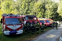 Muže hledalo na sedm desítek hasičů.