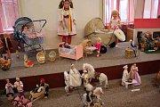 Výstava panenek v Orlickém muzeu v Chocni.
