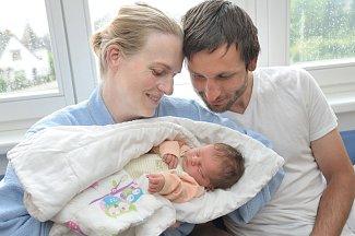 Tereza Samková dělá radost Michaele a Jaroslavovi z Litomyšle. Holčička se narodila 14. 5. ve 22.51 hodin, kdy vážila 3,274 kg.