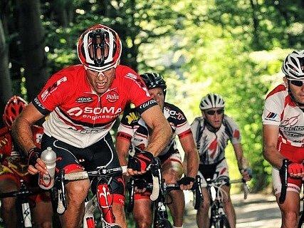 Vypětí ve tváři cyklistů bylo znatelné