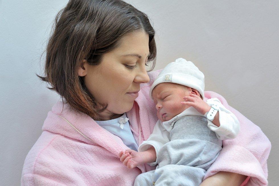Kryštof Krátký rozšířil rodinu Lucie a Marcela ze Džbánova u Vysokého Mýta. Narodil se 29. 4. v 18.35 hodin, vážil 2500 g a radost z něj má i bráška Marcel.