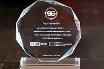 Ocenění, které získalo město Ústí nad Orlicí za rozvoj přeshraniční spolupráce.