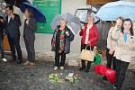 Ve Vysokém Mýtě byly položeny Kameny zmizelých. Takzvané stolpersteiny budou připomínkou osudů jedné z místních židovských rodin, která se stala obětí holocaustu. Hana Frischmannová se svými syny Františkem a Jiřím bydlela v domě čp. 55 na Litomyšlském Př