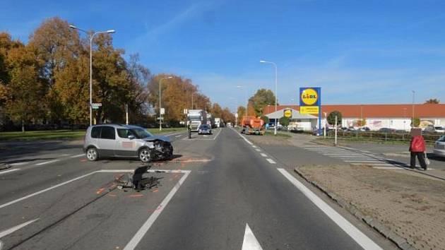 Dopravní nehoda u Lidlu ve Vysokém Mýtě.