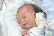 Matyáš Střalka se narodil Martině a Romanovi z Vysokého Mýta 15. 5. ve 23.49 hodin. Při narození vážil 3,49 kg.
