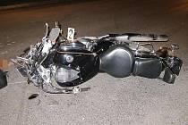 Nehoda osobního automobilu a motocyklu v Ústí nad Orlicí.