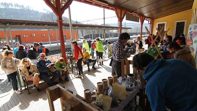 Stará výpravní budova nádraží v Ústí nad Orlicí v  sobotu ožila pestrým programem.