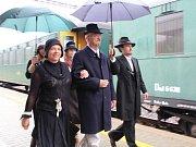 Příjezd prezidenta Tomáše Garrigue Masaryka na hlavní nádraží v Ústí nad Orlicí.