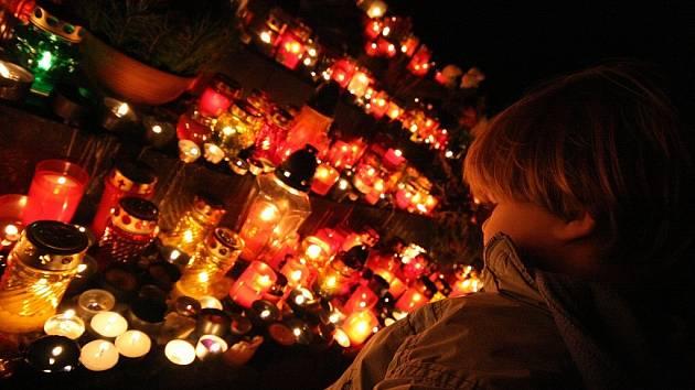 Dušičky na ústeckém hřbitově.