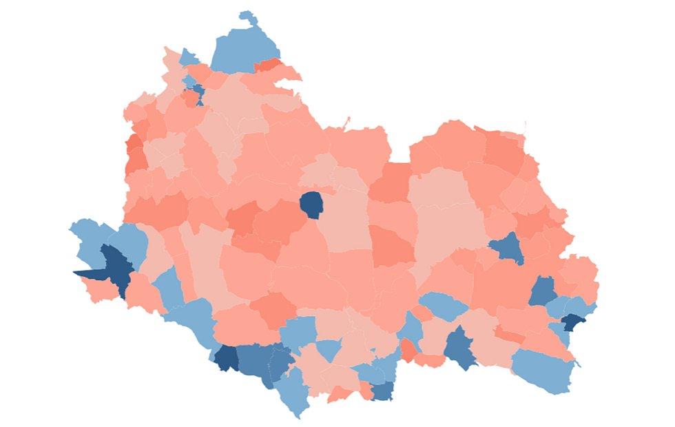 Mapa proočkovanosti Svitavsko. Modré odstíny značí vyšší poddíl naočkovaných, než činí průměr ČR.
