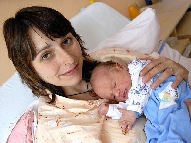 Dominik Dostál, tak se jmenuje syn manželů Marty a Aleše z Chocně, kde už mají dceru Simonu.