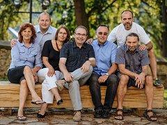 Sdružení nezávislých kandidátů Oušťáci ve volbách jednoznačně zvítězilo, získalo dokonce mandát navíc.