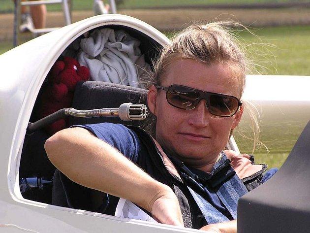 Dana Nováková má v letošní sezoně náročný program. Kromě právě probíhajícího mistrovství České republiky v plachtění na ni čeká ještě světový šampionát žen, jenž se bude konat ve Francii.