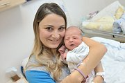 Štěpán Šlesinger, tak se jmenuje prvorozený syn Lucie Hodovalové a Stanislava Šlesingera z Dolních Libchav. S váhou 3,142 kg se narodil 9. 1. v 17.21 hodin.