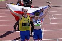 Obrovského úspěchu dosáhla Mirka Sedláčková (na snímku vpravo) na mistrovství světa postižených sportovců na Novém Zélandu.