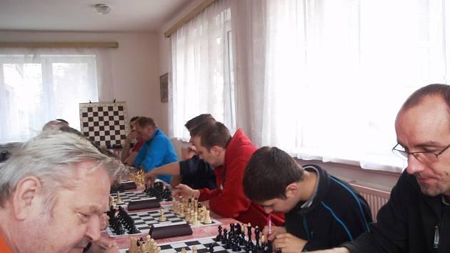 Letohrad hostil v šachovém derby ústecké béčko.