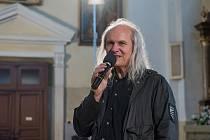 Festival Bennewitz v pátek nabídl autorské dílo pedagoga a skladatele Josefa Vondráčka v podání Sopotnické filharmonie a sboru Familia Cantorum.