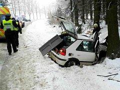 Havárie osobního automobilu v Ústí nad Orlicí - Knapovci.