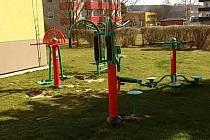 Zacvičit si venku v přírodě, to je možnost, kterou mají nejen senioři, ale i široká veřejnost v mnoha městech republiky.