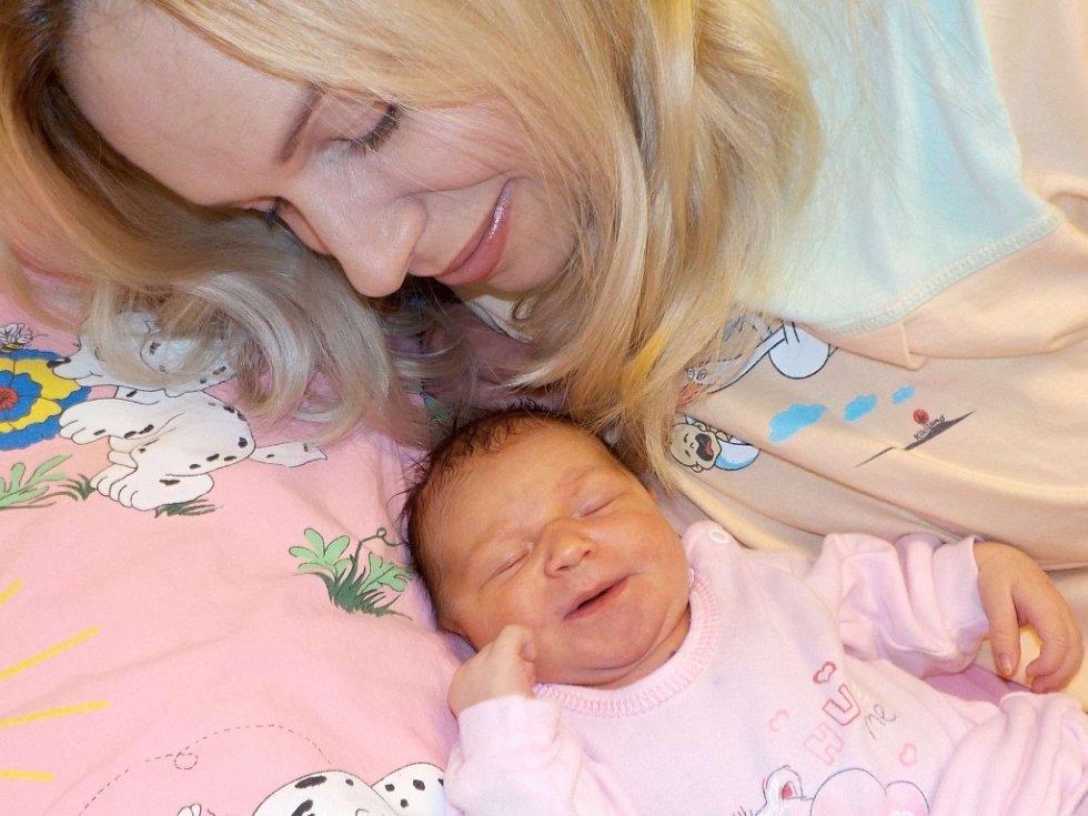 Claudie Vykydalová se narodila s váhou 3680 g dne 5. 11. v 5.44 hodin. Doma v Lanškrouně bude těšit rodiče Hanu a Pavla, i bratříčka Páju