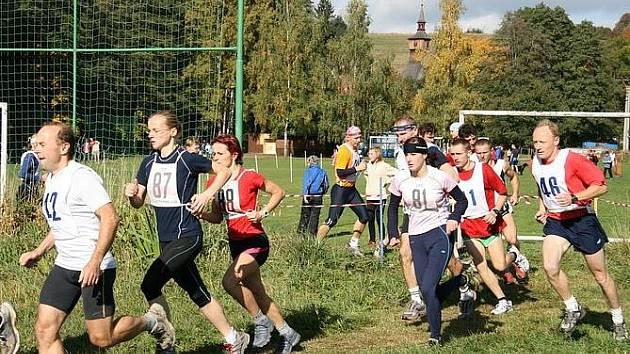 Aktivity Tělovýchovné jednoty Sokol v Klášterci nad Orlicí jsou rozmanité. Mezi jeho tradiční akce patří přespolní běh Údolím Orlice. Svou činnost pod Sokolem rozvíjí i ochotnický soubor.