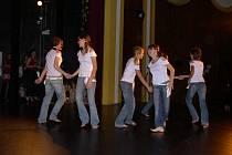 Taneční škola se nedávno prezentovala na festivalu Podzimní doteky.