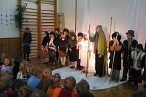 Vystoupení žáků sopotnické základní školy.
