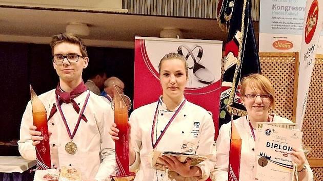 Zástupci choceňské školy v královéhradeckém Aldisu.