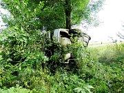 Havárie osobního automobilu na silnici mezi obcemi Suchá Lhota a Bučina na Vysokomýtsku.