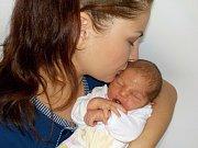 Emma Dostálová se narodila s váhou 3225 g dne 5. 8. v 13.57 hodin. Radost z ní mají rodiče Pavla a Petr z Dolní Čermné.