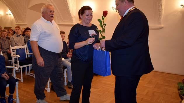 Tradiční ocenění dobrovolníků pracujících s mládeží i úspěšných reprezentantů města za rok 2019.