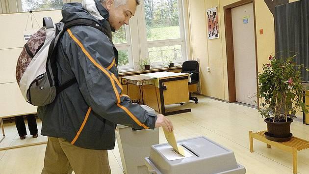 Volební místnost v ZŠ Ústecká. (Česká Třebová)