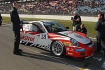 ZA VOLANT VOZU Porsche Carreara usednou v nové sezoně kromě vedle Jiřího Janáka mladšího i Vladimír Hladík, Janko Daniš a Aleš Jirásek junior.