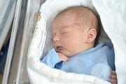 Ondřej Kubíček, tak se jmenuje druhý syn Jolany a Jana z Dolní Dobrouče. Chlapeček se s váhou 3,72 kg narodil 18. dubna v 7.59 hodin a doma se na něj těší bráška Honzík.
