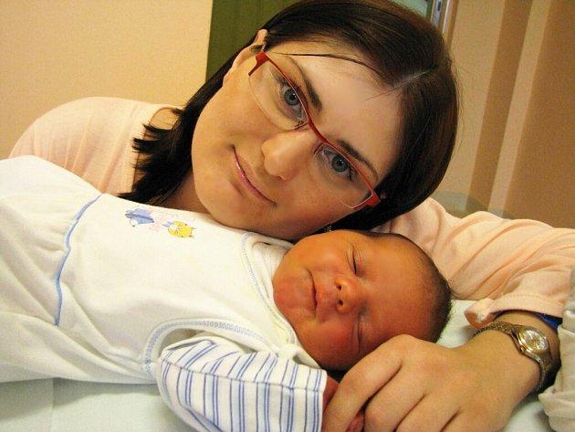 Lukáš Justa je po Nele a Danielovi třetím dítětem manželů Veroniky a Petra Justových z Hoštejna. Narodil se 30. ledna ve 13.52 hodin s hmotností 3,09 kg.