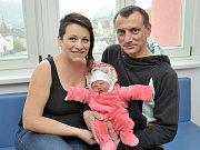 Evelína Tomková rozšířila rodinu Pavlíny a Petra z Lukavice. Na svět si 1. 10. ve 23.54 hodin přinesla váhu 3,880 kg. Doma se na ni těší i sourozenci Melanka, Honzík a Bártík.