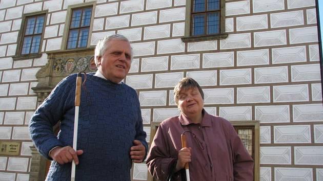 Nevidomí manželé Eva a Ján Budzákovi.