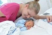 David Fendrych je prvním dítětem Kláry a Adama z Letohradu. Světlo světa spatřil 28. 12. v 18.44 hodin, kdy vážil 2,78 kg.