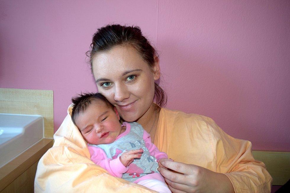 Ella Vaňáková těší rodiče Kristýnu a Daniela z České Třebové. Narodila se 10. 12. v 19.06 hodin, kdy vážila 3,805 kg.