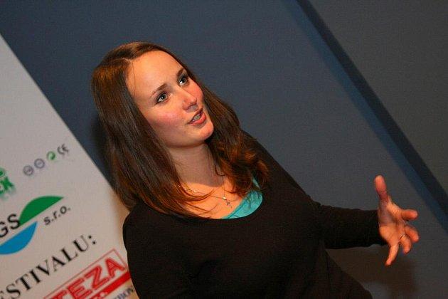 Olga Špátová v Ústí osobně uvedla obě projekce svého snímku Oko nad Prahou a diskutovala s diváky.