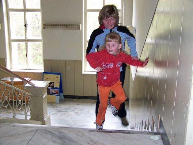 V Jablonném běhali do schodů.