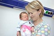 Zora Betlachová těší rodiče Lídu a Michala a sourozence Nikolku a Davídka z Bystřece. Narodila se 4. 6. v 7.09 hodin a vážila 3,04 kg.