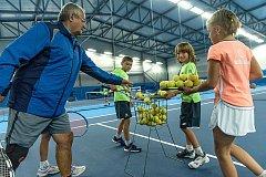 V České Třebové otevřeli novou tenisovou halu.