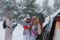 Z klání lanškrounských turistů nazvaného Poslední sníh po vrcholech Orlických hor.